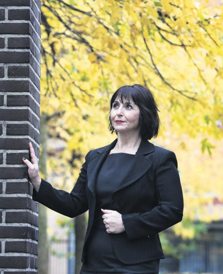 GuityMohebbi - Trouw - Ik voel de kilte, en het doet pijn in elke cel van mijn lijf 21-11-2012