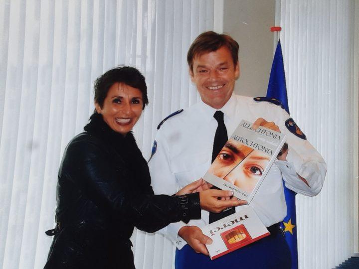 Guity Mohebbi Boeken Jan Stikvoort politie Hollands midden